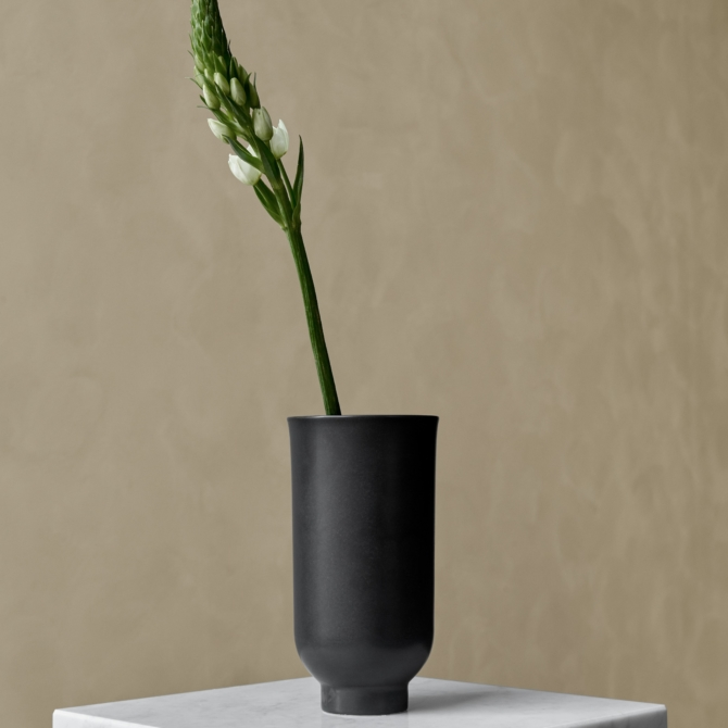 MENU Cyclades Vases lounge scaled