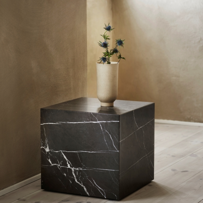 MENU Cyclades Vases stand scaled