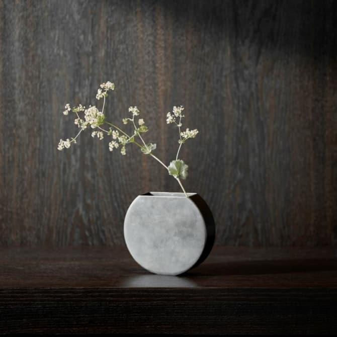 MENU Moon Vase 2