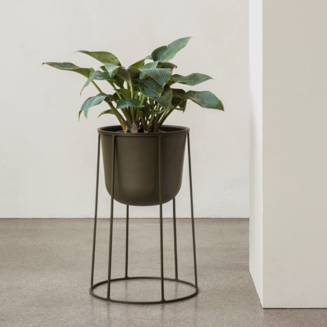 MENU Wire Base 606 vase 1 scaled