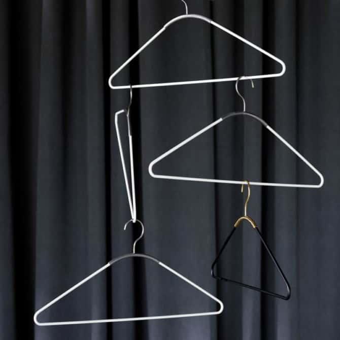 MENU Ava hangers 1