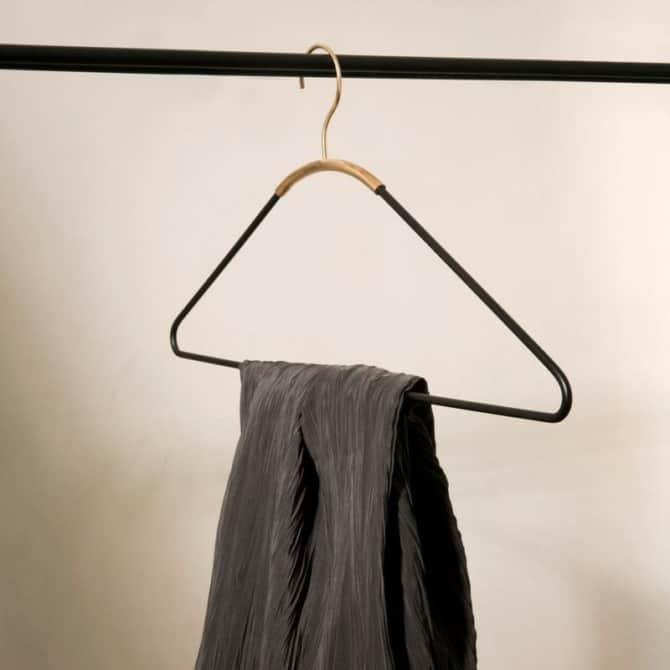 MENU Ava hangers 2