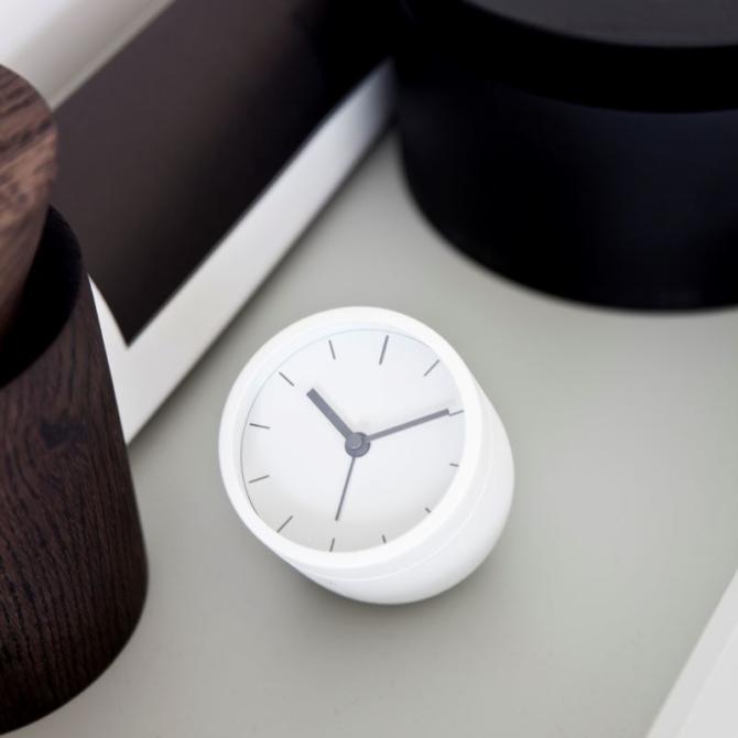MENU Tumbler Alarm Clock white up
