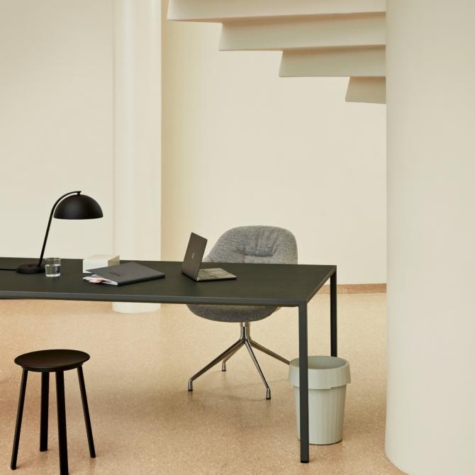 Mesa de escritorio Hay T12 sala