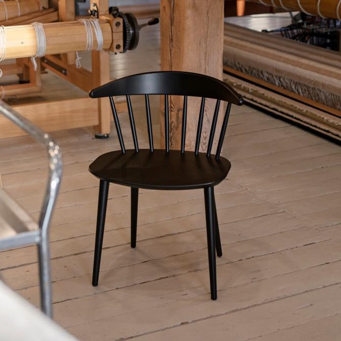 Cadeira madeira Hay J104 black