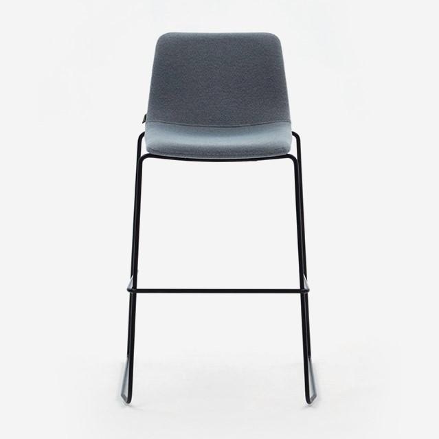 Cadeira alta Naughtone Viv Counter Height 2
