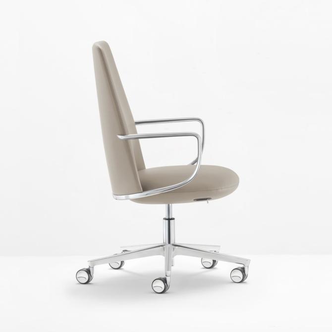 Cadeira de executivo cinza PEDRALI Elinor 3755