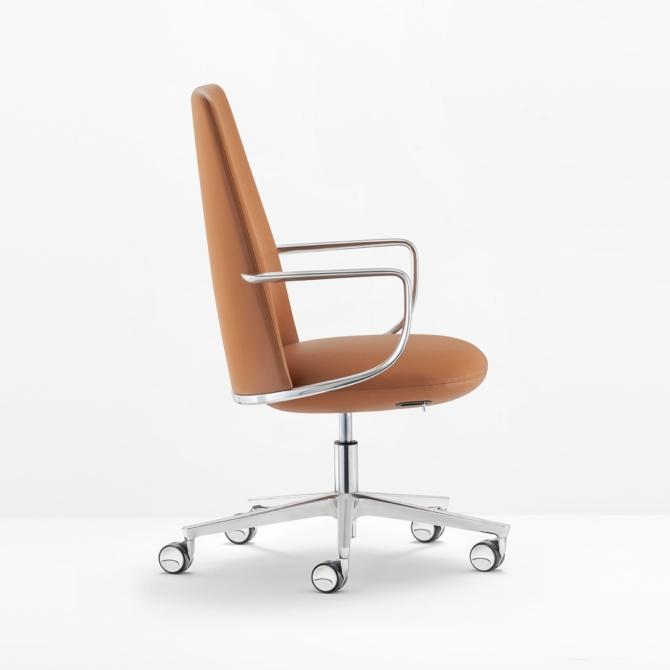 Cadeira de executivo pele PEDRALI Elinor 3755