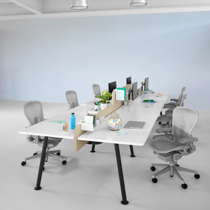 Mesa de escritorio Herman Miller Memo