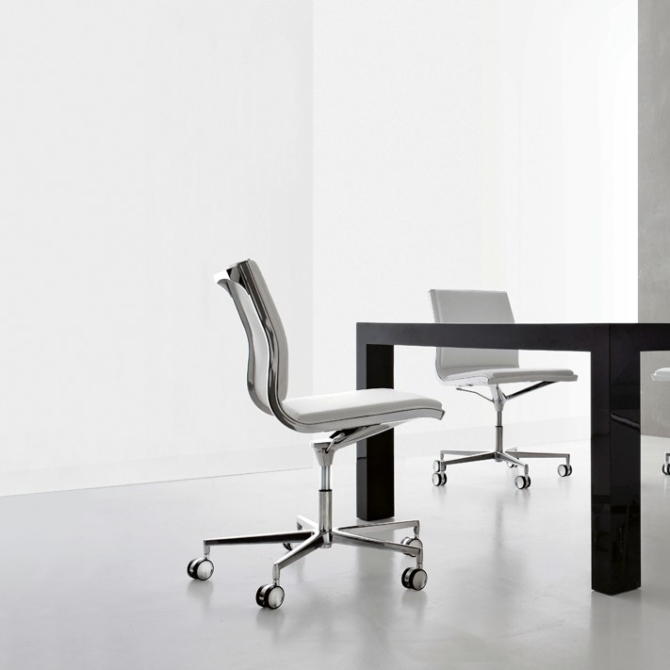 LUXY NULITE Cadeira